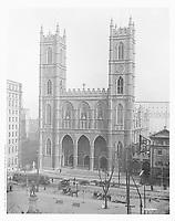 Place d'Arme et rue Notre dame,Montreal /1915