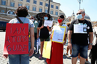 Demonstration of the workers in the tourism sector in Piazza del Popolo to ask an economic help to the Goverment due to the lack of work caused by the Coronavirus pandemic. Amongthe  protesters, tourist guides, rent with driver and travel agencies. Rome (Italy), June 26th 2020<br /> Foto Samantha Zucchi Insidefoto