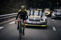(Eventual winner) Simon Yates (GBR/Michelton-Scott) dropped back from the peloton & having some trouble getting rid of his overshoes ahead of the last climb.<br /> <br /> 76th Paris-Nice 2018<br /> Stage 7: Nice > Valdeblore La Colmiane (175km)