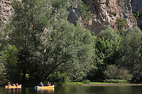 Europe/Europe/France/Midi-Pyrénées/46/Lot/Creysse: Descente de la vallée de la Dordogne en canoé, [Autorisation : 2011-101] [Autorisation : 2011-102] [Autorisation : 2011-103] [Autorisation : 2011-104] [Autorisation : 2011-105]