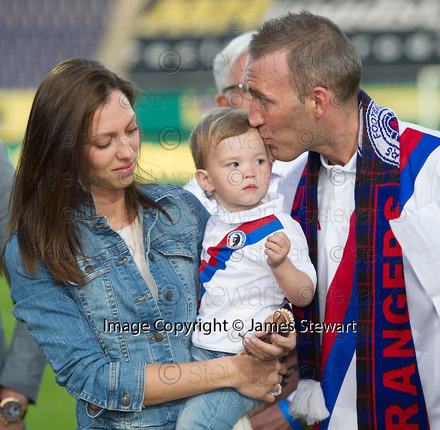 Fernando Ricksen Testimonial :  A tearful Fernando Ricksen with his wife Veronica and daughter Isabella.