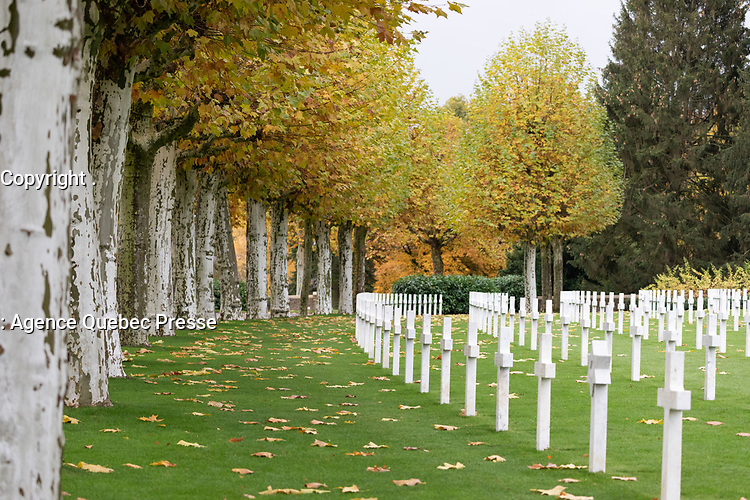 White House Chief of Staff General john Kelly and Chairman of the Joint Chiefs of Staff General Joseph F. Dunford, joined by their wives Karen Kelly and Ellyn Dunford, visiting the Aisne-Marne American Cemetery and Memorial Saturday. Nov 10, 2018, in. Belleau, France. (Official White House Photo by Shealah Craighead)