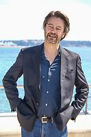 Thibault de Montalembert pose lors du photocall de CALL MY AGENT pendant le MIPTV a Cannes, le mardi 4 avril 2017.