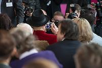 Die Koerperwelten-Ausstellung des Plastinator Gunther von Hagens (im Bild) und seiner Ehefrau Dr. Angelina Whalley im Menschen Museum in Berlin Mitte.<br /> 17.2.2015, Berlin<br /> Copyright: Christian-Ditsch.de<br /> [Inhaltsveraendernde Manipulation des Fotos nur nach ausdruecklicher Genehmigung des Fotografen. Vereinbarungen ueber Abtretung von Persoenlichkeitsrechten/Model Release der abgebildeten Person/Personen liegen nicht vor. NO MODEL RELEASE! Nur fuer Redaktionelle Zwecke. Don't publish without copyright Christian-Ditsch.de, Veroeffentlichung nur mit Fotografennennung, sowie gegen Honorar, MwSt. und Beleg. Konto: I N G - D i B a, IBAN DE58500105175400192269, BIC INGDDEFFXXX, Kontakt: post@christian-ditsch.de<br /> Bei der Bearbeitung der Dateiinformationen darf die Urheberkennzeichnung in den EXIF- und  IPTC-Daten nicht entfernt werden, diese sind in digitalen Medien nach §95c UrhG rechtlich geschuetzt. Der Urhebervermerk wird gemaess §13 UrhG verlangt.]