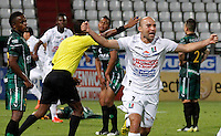 MANIZALES -COLOMBIA, 22-08-2013. Edwards Jimenez de Once celebra un gol durante el encuentro entre Once Caldas y La Equidad  válido por la fecha 5 de la Liga Postobón II 2013 jugado en el estadio Palogrande de la ciudad de Manizales./ Edwards Jimenez of Once celebrates a goal during the match between Once Caldas and La Equidad during match valid for the fifth date of the Postobon  League II 2013 at Palogrande stadium in Manizales city. Photo: VizzorImage/Yonboni/STR