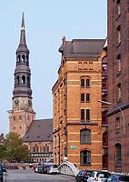 Katharinenkirche und Speicherstadt, Hamburg, Deutschland, Europa, UNESCO-Weltkulturerbe<br /> Church St. Catherine and Speicherstadt, Hamburg, Germany, Europe, UNESCO world heritage