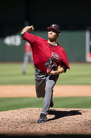 Arizona Diamondbacks relief pitcher Jeff Bain (48) delivers a pitch to the plate during an Instructional League game against the Kansas City Royals at Chase Field on October 14, 2017 in Phoenix, Arizona. (Zachary Lucy/Four Seam Images)