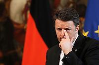 Il presidente del Consiglio Matteo Renzi durante la conferenza stampa congiunta col cancelliere tedesco a Palazzo Chigi, Roma, 5 maggio 2016.<br /> Italian Premier Matteo Renzi attends a joint press conference with German Chancellor at Chigi Palace, Rome, 5 May 2016.<br /> UPDATE IMAGES PRESS/Isabella Bonotto