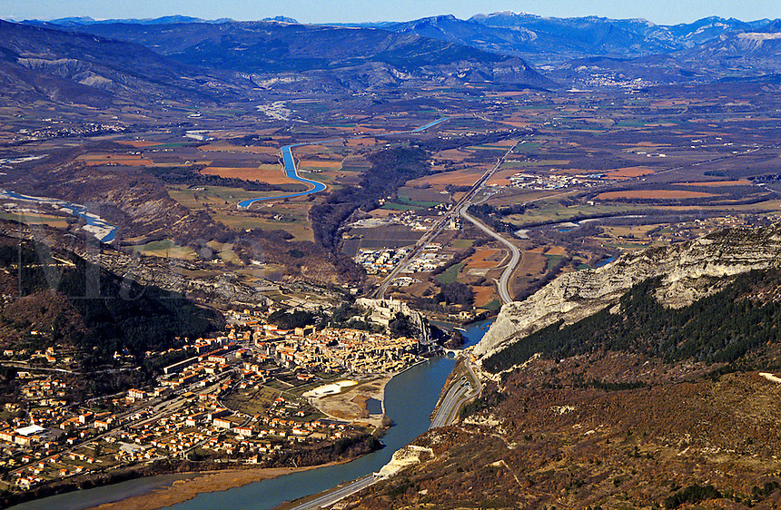 France. Provence. Sisteron, the Durance Valley and Autoroute A51, between the Bassin de Laragne in the north and the depression of the Middle Durance in the south.  Historically between Provence and Le Dauphine.  Northern limit of cultivation of olives. Known as the Gateway of Provence.
