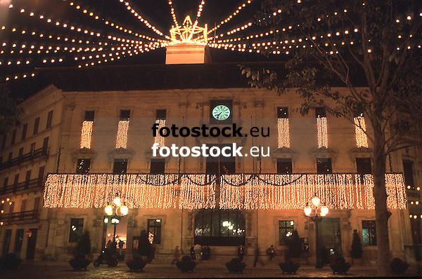 Townhall of Palma de Mallorca with christmas decoration<br /> <br /> Ayuntamiento de Palma de Mallorca con decoration de navidad<br /> <br /> Rathaus mit Weihnachtsdekoration<br /> <br /> 4105 x 2724 px<br /> Original: 35 mm slide transparency