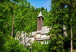 Oesterreich, Tirol, im Kaiserwinkl, bei Koessen: Wallfahrtskirche Maria Klobenstein, nahe der Grenze zu Bayern, hier fuehrt ein alter Schmugglerpfad nach Schleching | Austria, Tyrol, region Kaiserwinkl, near Koessen, close to the Bavarian border: pilgrimage church Maria Klobenstein, an old secret smuggler's path leads to Schleching in Bavaria