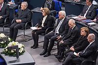 Staatsakt fuer den am 4. Januar 2018 verstorbenen ehemaligen Bundestagspraesident Dr. Philipp Jenninger am Donnerstag den 17. Januar 2018 im Deutschen Bundestag.<br /> Im Bild vlnr: Eminenz Walter Kardinal Kasper; Witwe Jenninger; Bundespraesident Frank-Walter Steinmeier; Bundestagspraesident Wolfgang Schaeuble; Bundeskanzlerin Angela Merkel; Andreas Vosskuhle, Praesident des Bundesverfassungsgericht.<br /> 18.1.2018, Berlin<br /> Copyright: Christian-Ditsch.de<br /> [Inhaltsveraendernde Manipulation des Fotos nur nach ausdruecklicher Genehmigung des Fotografen. Vereinbarungen ueber Abtretung von Persoenlichkeitsrechten/Model Release der abgebildeten Person/Personen liegen nicht vor. NO MODEL RELEASE! Nur fuer Redaktionelle Zwecke. Don't publish without copyright Christian-Ditsch.de, Veroeffentlichung nur mit Fotografennennung, sowie gegen Honorar, MwSt. und Beleg. Konto: I N G - D i B a, IBAN DE58500105175400192269, BIC INGDDEFFXXX, Kontakt: post@christian-ditsch.de<br /> Bei der Bearbeitung der Dateiinformationen darf die Urheberkennzeichnung in den EXIF- und  IPTC-Daten nicht entfernt werden, diese sind in digitalen Medien nach §95c UrhG rechtlich geschuetzt. Der Urhebervermerk wird gemaess §13 UrhG verlangt.]