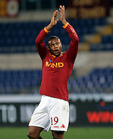 Calcio, Serie A: Roma vs Chievo. Roma, stadio Olimpico, 9 gennaio 2010..Football, Italian serie A: AS Roma vs Chievo. Rome, Olympic stadium, 9 january 2010..AS Roma forward Julio Baptista, of Brazil, cheers fans at the end of the match. AS Roma won 1-0..UPDATE IMAGES PRESS/Riccardo De Luca