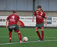 Dames Zulte - Waregem - Femina White Star Woluwe : Tessa Wullaert en Jana Coryn aan de aftrap.foto DAVID CATRY / Vrouwenteam.be