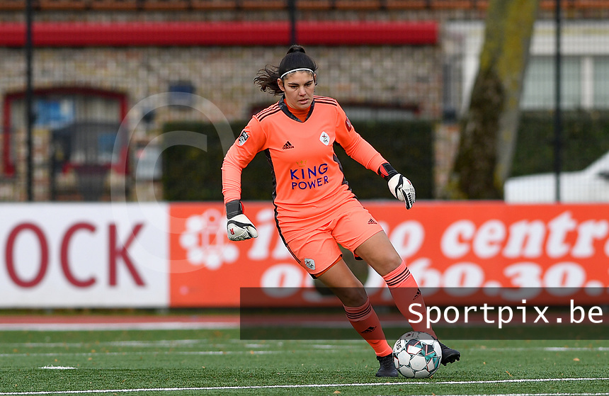 OHL's goalkeeper Louise Van Den Bergh pictured during a female soccer game between Club Brugge Dames YLA and Oud Heverlee Leuven on the 8 th matchday of the 2020 - 2021 season of Belgian Scooore Womens Super League , saturday 21 th November 2020  in Knokke , Belgium . PHOTO SPORTPIX.BE | SPP | DAVID CATRY