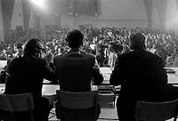 Premiere rencontre des trois centrales syndicales le  21 octobre 1970 au  centre MGR Marcoux de Limoilou a Quebec. <br /> <br /> Le thème à l'ordre du jour était de demander à Ottawa le retrait de la loi sur les mesures de guerres<br /> <br /> Photographe : Photo Moderne<br /> - agence Quebec Presse
