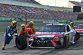 Monster Energy NASCAR Cup Series<br /> Quaker State 400<br /> Kentucky Speedway, Sparta, KY USA<br /> Saturday 8 July 2017<br /> Kyle Busch, Joe Gibbs Racing, Snickers Toyota Camry makes a pit stop<br /> World Copyright: Logan Whitton<br /> LAT Images