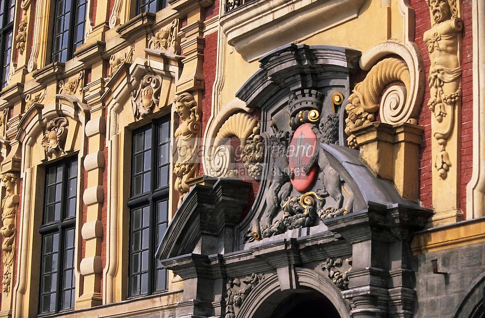 Europe/France/Nord-Pas-de-Calais/59/Nord/Lille: La grand Place - Détail façade de la vieille bourse avec les lions des Flandres sur le portail