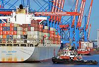 Containerterminal Altenwerder Containerschiff und Schlepper: EUROPA, DEUTSCHLAND, HAMBURG, (EUROPE, GERMANY), 24.10.2013 Containerterminal Altenwerder Containerschiff PPCL Antwerp der Reederei OOLC und Schlepper Bugsier 10