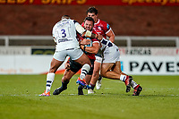 21st August 2020; Kingsholm Stadium, Gloucester, Gloucestershire, England; English Premiership Rugby, Gloucester versus Bristol Bears; Franco Marais of Gloucester stays strong in the tackle from Kyle Sinckler of Bristol