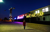 Nederland - Amsterdam- 2020. Amsterdam Noord. Werkplekken bij de NDSM Werf. In 2019 is het Treehouse geopend. Treehouse verhuurt atelierruimtes aan kunstenaars en creatieven uit alle kunst- en ontwerp disciplines: theatermakers, schrijvers en muzikanten, schilders, tekenaars, ontwerpers, video- en beeldend kunstenaars. Elke (aankomende) professional met een creatief beroep kan een atelier huren in het Treehouse. Foto : ANP/ HH / Berlinda van Dam