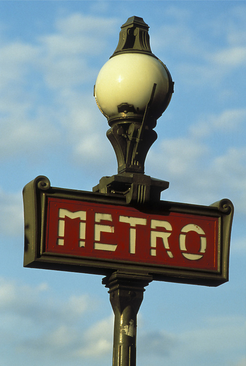 Europe, FRA, France, Paris, Metro Station, Detail....[ For each utilisation of my images my General Terms and Conditions are mandatory. Usage only against use message and proof. Download of my General Terms and Conditions under http://www.image-box.com or ask for sending. A clearance before usage is necessary...Material is subject to royalties. Each utilisation of my images is subject to a fee in accordance to the present valid MFM-List...Contact   archive@image-box.com   www.image-box.com ]