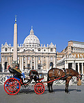 ITA, Italien, Lazio, Rom: Pferdedroschke vor dem Petersdom | ITA, Italy, Lazio, Rome: Horse-drawn carriage in front of St. Peters