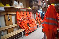 Alptransit, la galleria ferroviaria più lunga del mondo con i suoi 57 km di binari che corrono sotto il San Gottardo in Svizzera.