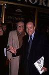 """CARLO VERDONE CON IL PADRE MARIO<br /> PREMIERE VERSIONE RESTAURATA DE """"SIGNORE E SIGNORI"""" DI PIETRO GERMI<br /> CINEMA ETOILE ROMA 1998"""