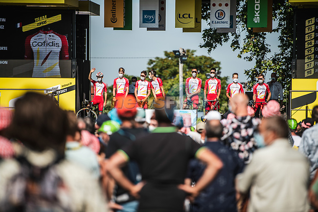 Cofidis at sign on before Stage 7 of the 2021 Tour de France, running 249.1km from Vierzon to Le Creusot, France. 2nd July 2021.  <br /> Picture: A.S.O./Charly Lopez | Cyclefile<br /> <br /> All photos usage must carry mandatory copyright credit (© Cyclefile | A.S.O./Charly Lopez)