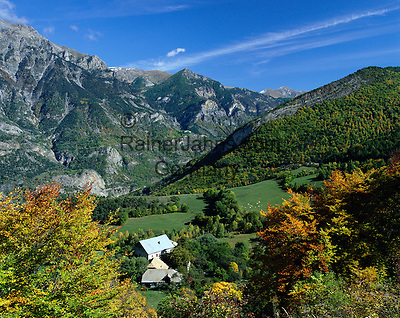 France, Provence, near Gap: Alpes de Haute Provence in autumn   Frankreich, Provence, bei Gap: Landschaft der Alpes de Haute Provence im Herbst