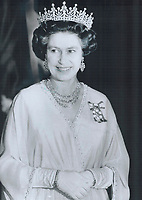 1977 FILE PHOTO - ARCHIVES -<br /> <br /> Queen Elizabeth dressed with regal elegance at Ottawa's National Arts Centre last night.<br /> <br /> Bezant, Graham<br /> Picture, 1977<br /> <br /> 1977<br /> <br /> PHOTO : Graham Bezant - Toronto Star Archives - AQP