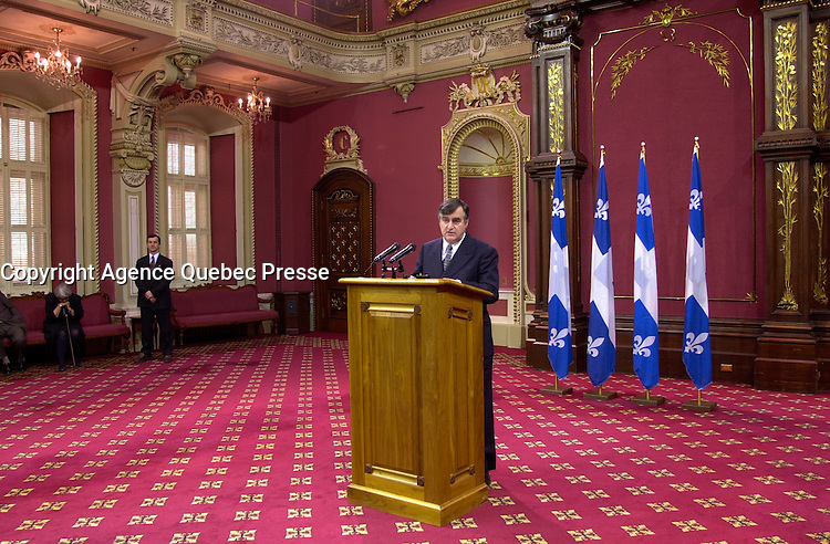 Jan 11, 2001, Quebec City, Quebec, Canada<<br /> <br /> Quebec PremierLucien Bouchard delivering his resignation spech to a roomfull of journalists and deputies (MNAs).<br /> <br /> Photo by Pierre Roussel / Images Distribution