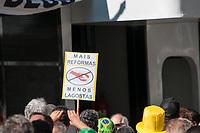 SÃO PAULO, SP, 26.05.2019: Manifestação pró governo : Manifestantes fazem ato em pró do governo Jair Bolsonaro ( PSL ) em favor da reforma da previdência e pacotes das leis anti crime, neste domingo (26)  na Av. Paulista região sul da cidade de São Paulo SP . (Foto: Roberto Costa /Código 19).