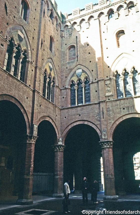 Siena:  Palazzo Pubblico 1288-1309.  Photo '83.