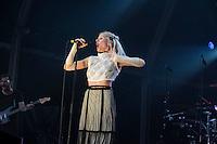Aurora sur la scène de Rock en Seine à Saint Cloud le dimanche 28 août 2016
