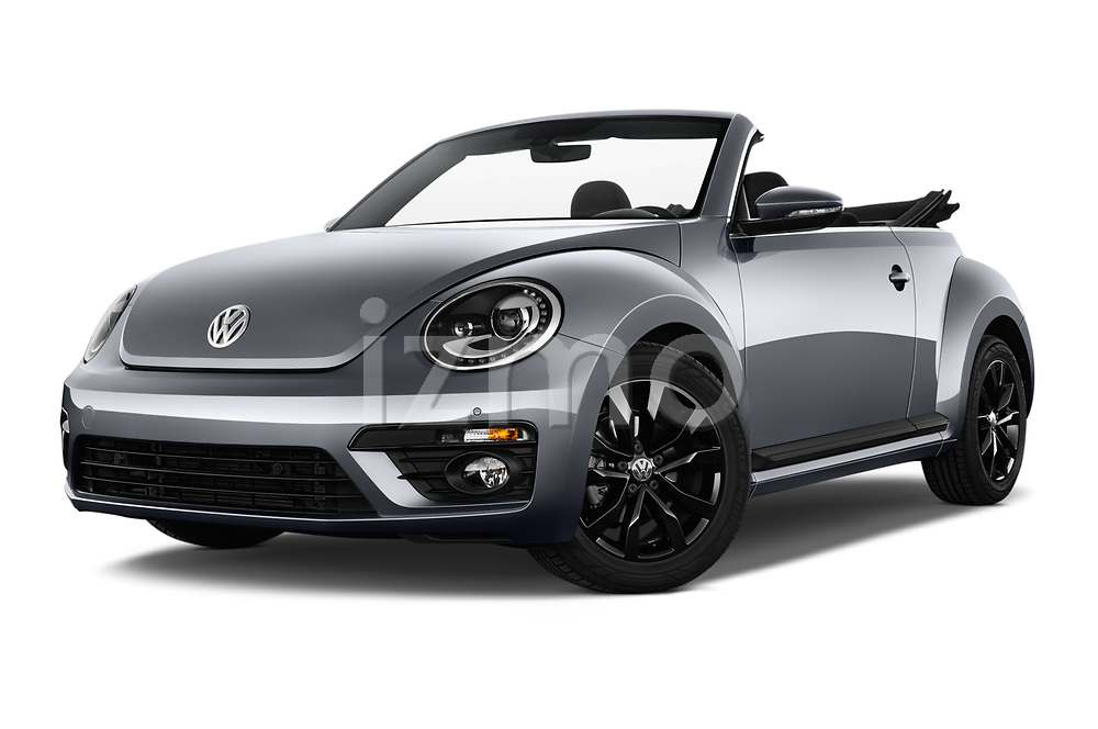 Stock pictures of low aggressive front three quarter view of 2017 Volkswagen Beetle Design 2 Door Convertible Low Aggressive