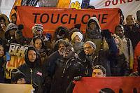 Demonstration in Dessau anlaesslich des 12. Todestages des Fluechtling Oury Jalloh, der am 7. Januar 2005 unter bislang nicht geklaerten Umstaenden in Polizeihaft, in der Zelle gefesselt, bei lebendigem Leib verbrannte.<br /> An der Demonstration beteiligten sich ca. 1.500 Menschen.<br /> Im Bild: Demonstrationsteilnehmer vor der Polizeiwache, in der Oury Jalloh ums Leben kam.<br /> In der Bildmitte: Moctar Bah, ein Freund von Oury Jalloh, der seit dessen Tod um Aufklaerung kaempft.<br /> 7.1.2017, Dessau<br /> Copyright: Christian-Ditsch.de<br /> [Inhaltsveraendernde Manipulation des Fotos nur nach ausdruecklicher Genehmigung des Fotografen. Vereinbarungen ueber Abtretung von Persoenlichkeitsrechten/Model Release der abgebildeten Person/Personen liegen nicht vor. NO MODEL RELEASE! Nur fuer Redaktionelle Zwecke. Don't publish without copyright Christian-Ditsch.de, Veroeffentlichung nur mit Fotografennennung, sowie gegen Honorar, MwSt. und Beleg. Konto: I N G - D i B a, IBAN DE58500105175400192269, BIC INGDDEFFXXX, Kontakt: post@christian-ditsch.de<br /> Bei der Bearbeitung der Dateiinformationen darf die Urheberkennzeichnung in den EXIF- und  IPTC-Daten nicht entfernt werden, diese sind in digitalen Medien nach §95c UrhG rechtlich geschuetzt. Der Urhebervermerk wird gemaess §13 UrhG verlangt.]