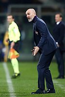 Calcio, Serie A: Fiorentina - Juventus, stadio Artemio Franchi Firenze 9 febbraio 2018.<br /> Fiorentina's coach Stefano Pioli speaks to his players during the Italian Serie A football match between Fiorentina and Juventus at Florence's Artemio Franchi stadium, February 9, 2018.<br /> UPDATE IMAGES PRESS/Isabella Bonotto