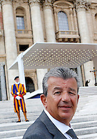 L'imprenditore e produttore cinematografico tunisino Tarak Ben Ammar all'udienza generale del mercoledi' di Papa Francesco in Piazza San Pietro, Citta' del Vaticano, 25 settembre 2013. Ben Ammar ha assistito all'udienza con un gruppo di imam francesi.<br /> Tunisian enterpreneur and movie producer Tarak Ben Ammar at the weekly general audience of  Pope Francis in St. Peter's Square at the Vatican, 25 September 2013. Ben Ammar attended the Pontiff's audience with a group of French imams.<br /> UPDATE IMAGES PRESS/Riccardo De Luca<br /> <br /> STRICTLY ONLY FOR EDITORIAL USE