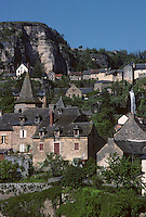 Europe/France/Midi-Pyrénées/12/Aveyron/Causse du Comtal/Salles-la-Source : Les deux villages