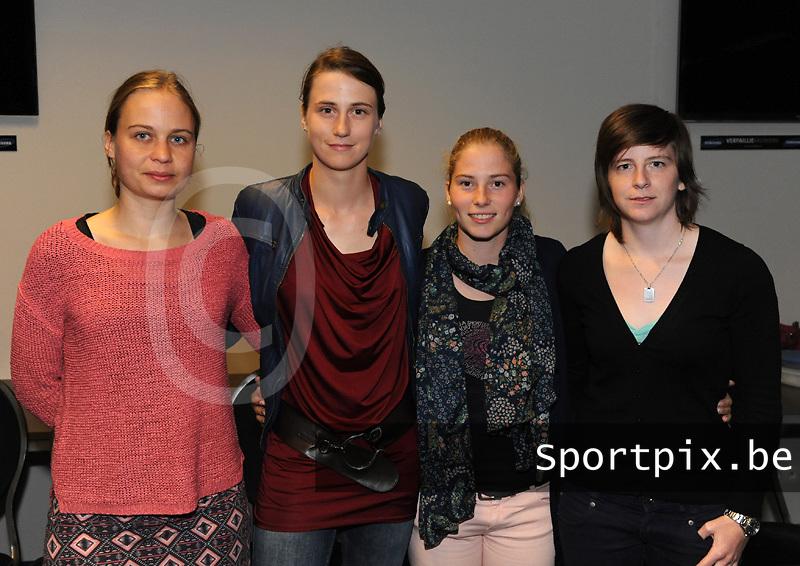 voorstelling Club Brugge Vrouwen seizoen 13 - 14 : nieuwkomers met Eva Van Daele , Heleen Jaques , Jana Coryn en Lynn Senaeve<br /> foto Joke Vuylsteke / nikonpro.be