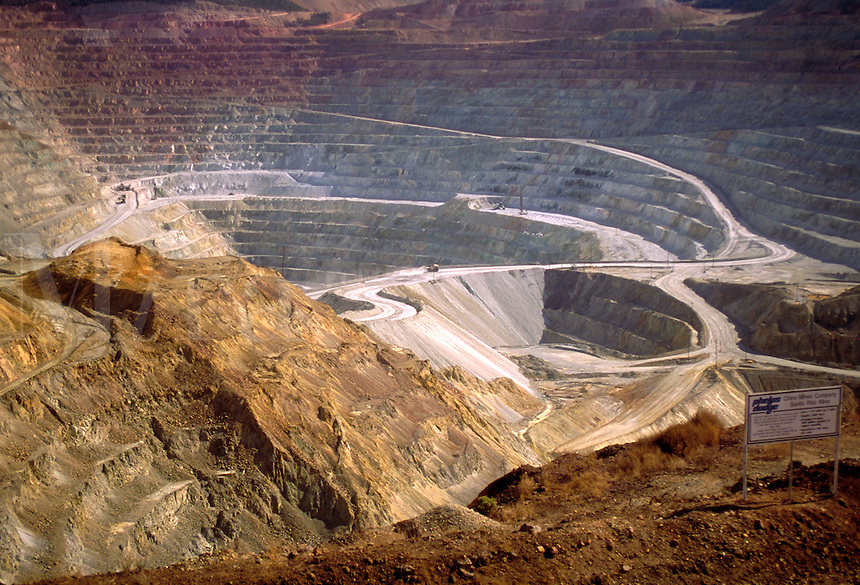 Santa Rita Mine, Chino Mine Company, Phelps-Dodge Corp. Open pit copper mine, 1.75 miles across and 1,00 feet deep, in operation since 1800. One of largest operations of its type in the United States. Silver City New Mexico USA.