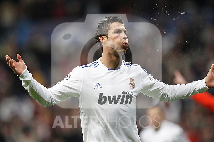 Real Madrid's Cristiano Ronaldo goal during Champions League match on december 8th 2010...Photo: Cesar Cebolla / ALFAQUI