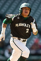 Hawaii Rainbow Warriors outfielder Kaeo Aliviado (2) hustles down the first base line during Houston College Classic against the Baylor Bears on March 6, 2015 at Minute Maid Park in Houston, Texas. Hawaii defeated Baylor 2-1. (Andrew Woolley/Four Seam Images)