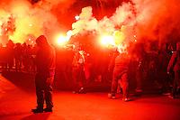 Mehrere hundert Menschen zogen am Samstag den 16. Februar 2013 in den Abendstunden durch Kreuzberg um vorgeblich gegen den Europaeischen Polizeikongress zu protestieren der am 19.2.2013 in Berlin stattfindet. Sie warfen bei Autos und Bushaltestellen Scheiben ein, zuendeten bengalische Feuer und Muelltonnen an und bewarfen eine Senatsverwaltung mit Farbe. Offiziell 1.000 Polizeibeamte waren im Einsatz um die in kleinen Grueppchen agierenden Autonomen zu fassen, was jedoch kaum gelang.<br />16.2.2013, Berlin<br />Copyright: Christian-Ditsch.de<br />[Inhaltsveraendernde Manipulation des Fotos nur nach ausdruecklicher Genehmigung des Fotografen. Vereinbarungen ueber Abtretung von Persoenlichkeitsrechten/Model Release der abgebildeten Person/Personen liegen nicht vor. NO MODEL RELEASE! Don't publish without copyright Christian-Ditsch.de, Veroeffentlichung nur mit Fotografennennung, sowie gegen Honorar, MwSt. und Beleg. Konto:, I N G - D i B a, IBAN DE58500105175400192269, BIC INGDDEFFXXX, Kontakt: post@christian-ditsch.de<br />Urhebervermerk wird gemaess Paragraph 13 UHG verlangt.]