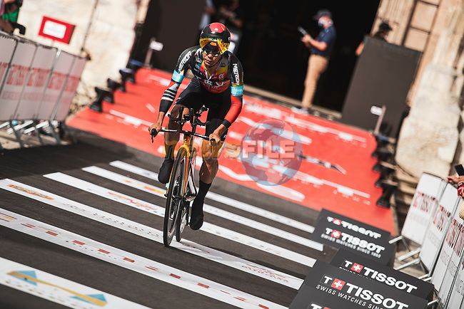Yukiya Arashiro (JPN) Bahrain Victorious in action during Stage 1 of La Vuelta d'Espana 2021, a 7.1km individual time trial around Burgos, Spain. 14th August 2021.    <br /> Picture: Unipublic/Charly Lopez | Cyclefile<br /> <br /> All photos usage must carry mandatory copyright credit (© Cyclefile | Unipublic/Charly Lopez)