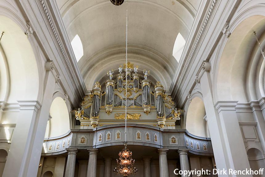 Orgel in Barocke Fredrikskyrkan (Friedrichskirche) am  Stortorget in Karlskrona, Provinz Blekinge, Schweden, Europa, UNESCO-Weltkulturerbe<br /> Organ in Fredrikskyrkan  in Karlskrona, Province Blekinge, Sweden