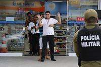 Belém, Pará, Brasil.POLICIA. Assallto com refem farmacia Extra-farma na esquina da Consssellheiro com Alcindo Cacela - assaltantes Everton da Silva Cruz-18 anos( camisa florida) Pedro Paulo dos Santos 25 anos ( camisa listrada)- Renato Balbi da Silva 27 anos) .14/07/2019. Foto: Ney Marcondes.