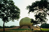 "S?dasien Asien Indien IND Auroville bei Pondicherry .Tempel  Matri Mandir -  Meditation Religion Gebetshaus sakral xagndaz | .Asia India IND Auroville near Pondicherry temple and meditation hall Matri mandir .| [ copyright (c) Joerg Boethling / agenda , Veroeffentlichung nur gegen Honorar und Belegexemplar an / publication only with royalties and copy to:  agenda PG   Rothestr. 66   Germany D-22765 Hamburg   ph. ++49 40 391 907 14   e-mail: boethling@agenda-fototext.de   www.agenda-fototext.de   Bank: Hamburger Sparkasse  BLZ 200 505 50  Kto. 1281 120 178   IBAN: DE96 2005 0550 1281 1201 78   BIC: ""HASPDEHH"" ,  WEITERE MOTIVE ZU DIESEM THEMA SIND VORHANDEN!! MORE PICTURES ON THIS SUBJECT AVAILABLE!! INDIA PHOTO ARCHIVE: http://www.visualindia.net ] [#0,26,121#]"